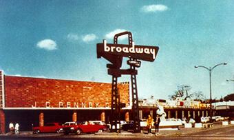 Broadway Plaza – 1951
