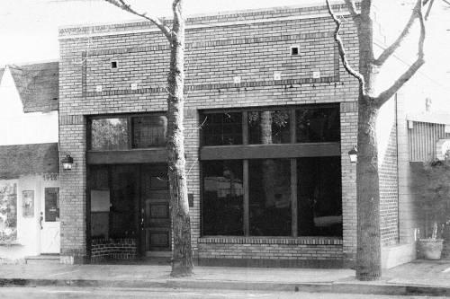 Early photo of post office in Walnut Creek, Ca